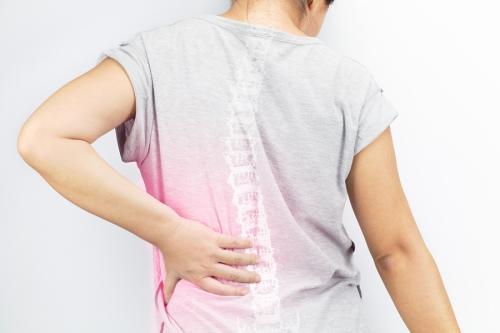 girl having spine pain